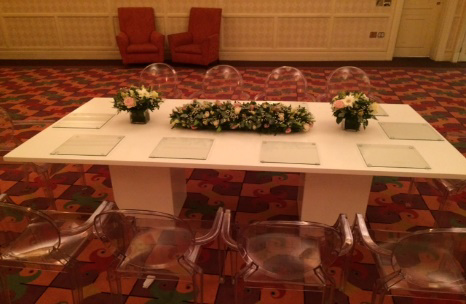 All Events Africa Dining Table High Gloss White