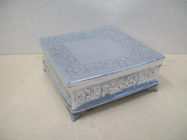 All events Africa Square - Silver Embossed Cake Stand